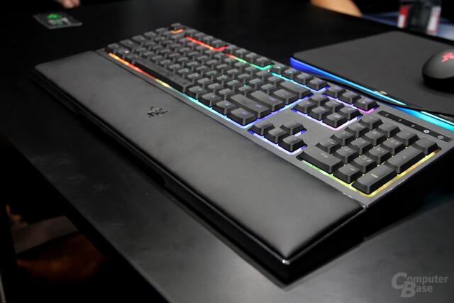 Die Razer Ornata als hybride Tastatur