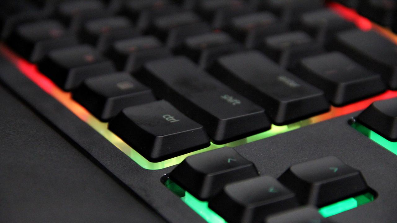 Razer Ornata: Hybrid-Tastatur mit Mecha-Membran-Technologie