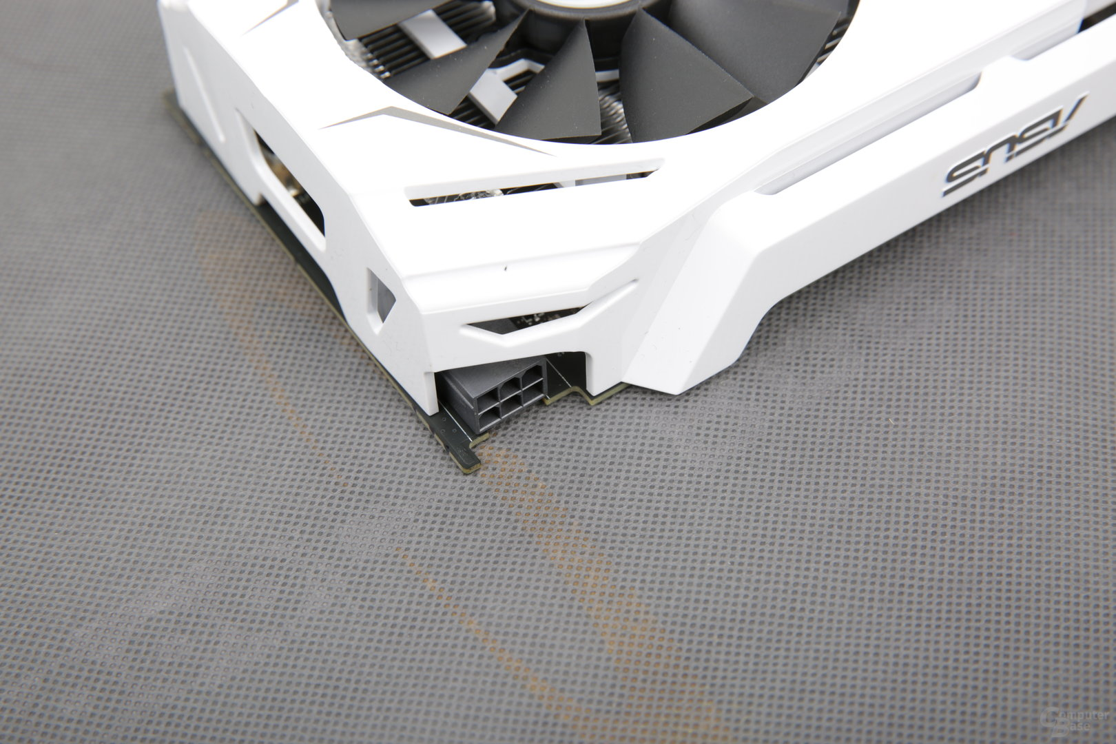 Asus GeForce GTX 1060 Dual OC – ein Mal 6 Pin
