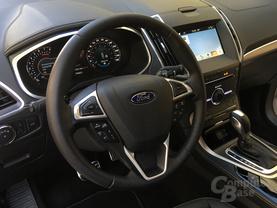 Cockpit des Ford S-Max Vignale