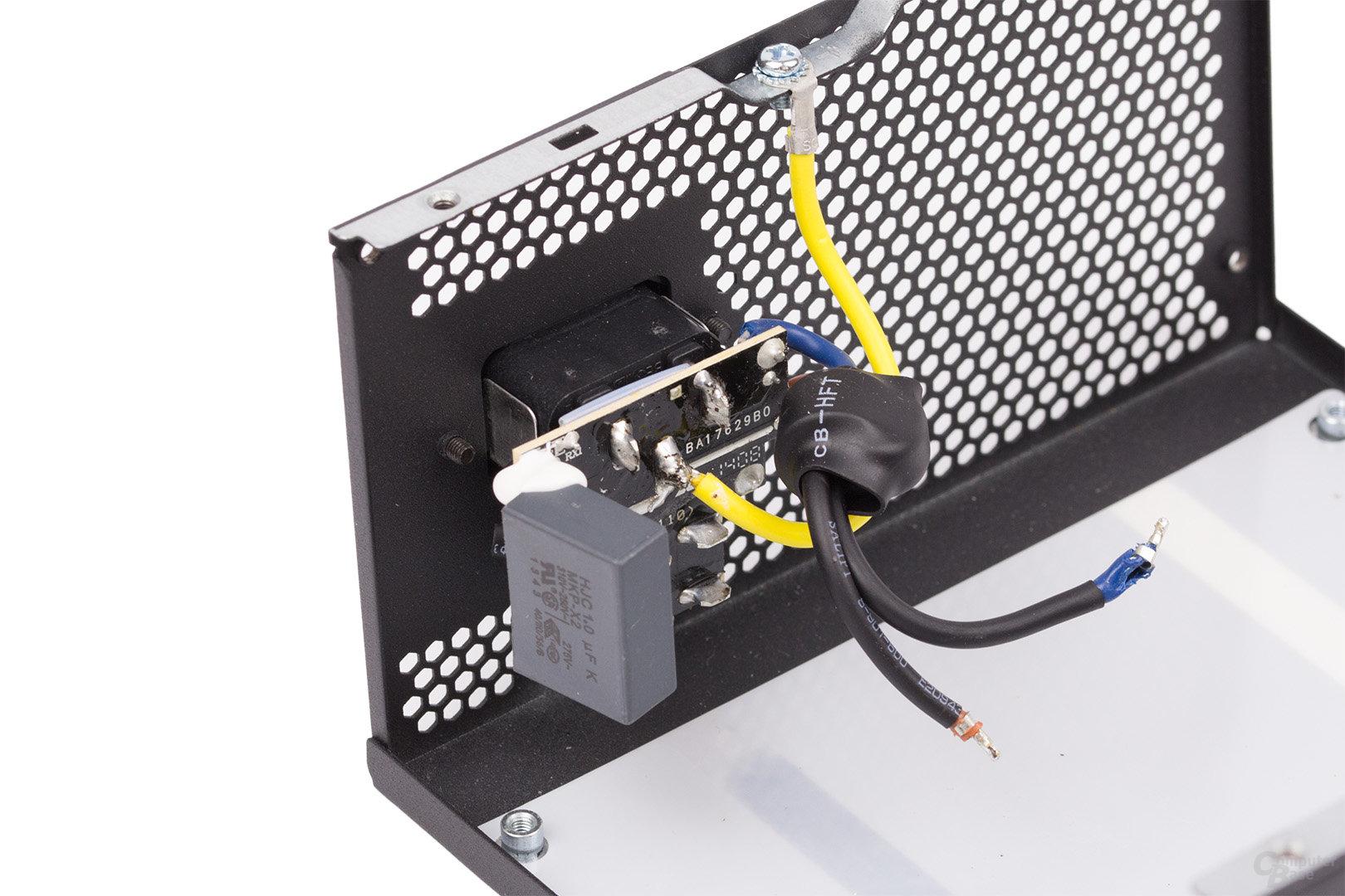 LC-Power LC8850III 850W – Kaltgerätebuchse