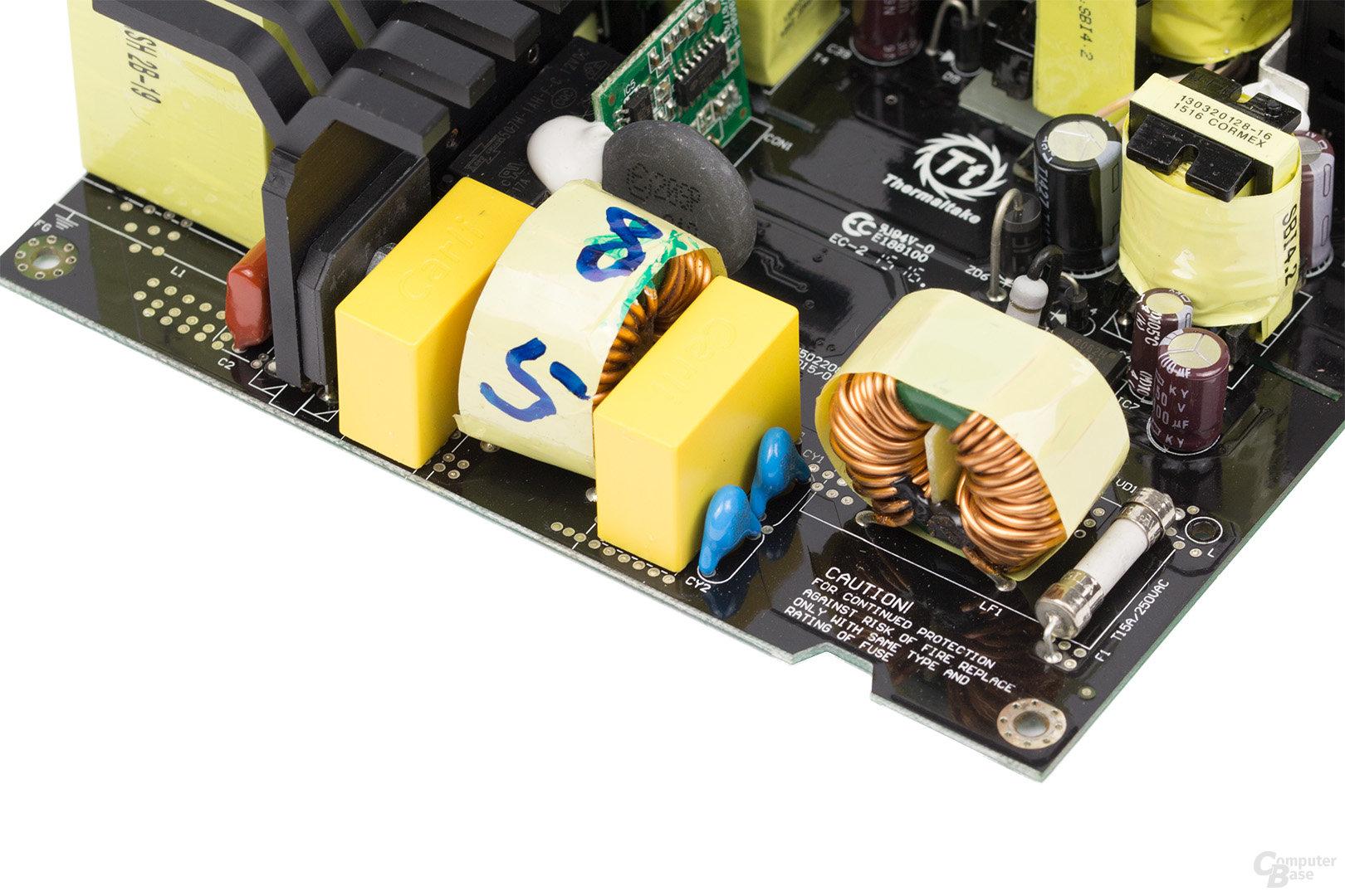 Thermaltake DPS G Platinum 850W – Eingangsfilter