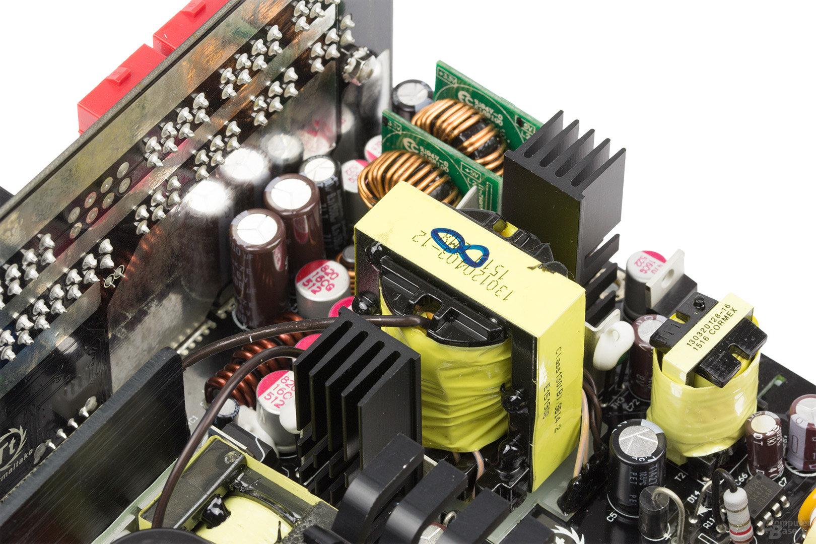 Thermaltake DPS G Platinum 850W – Sekundärseite