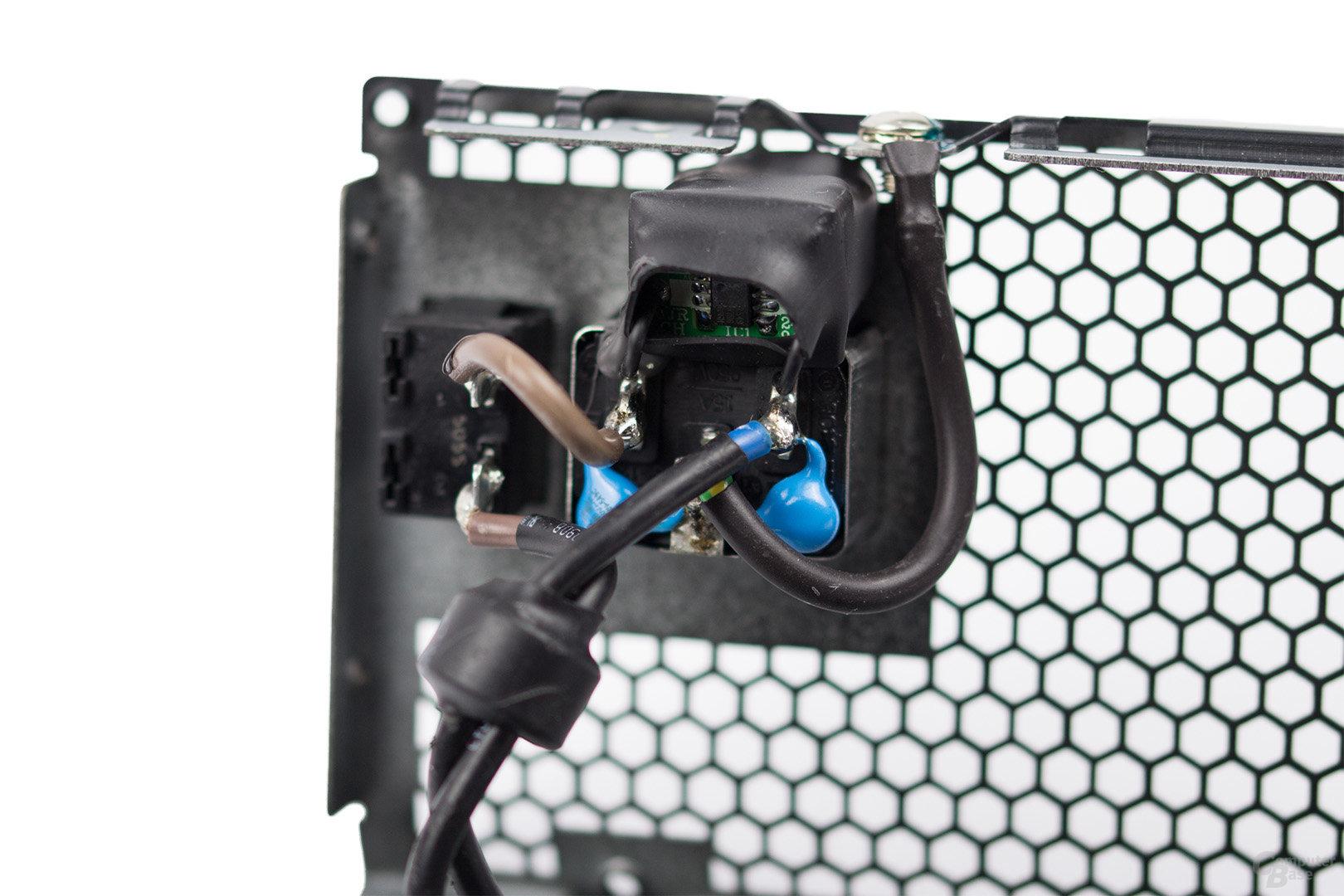 be quiet! Dark Power Pro 11 850W – Kaltgerätebuchse