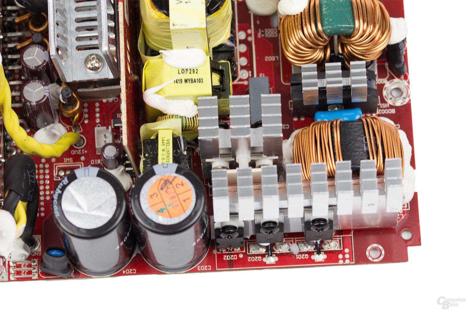 Cooler Master V850 – APFC und Vollbrücke