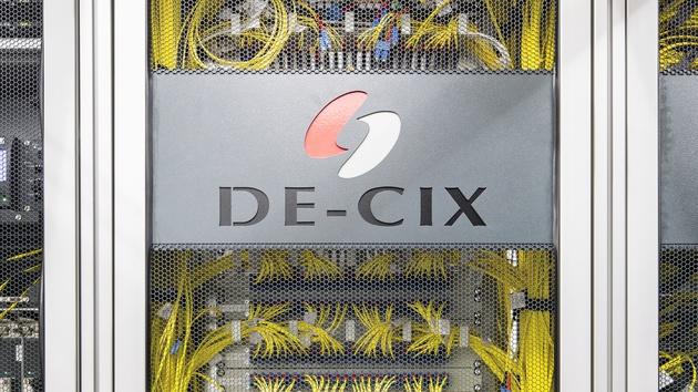 BND-Überwachung: DE-CIX-Betreiber verklagt die Bundesregierung