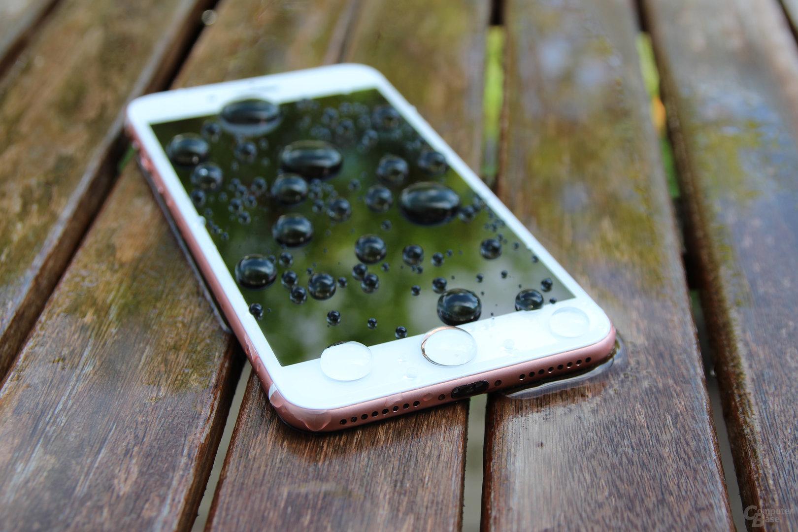 Das iPhone 7 ist gegen Staub und Wasser nach IP67 geschützt