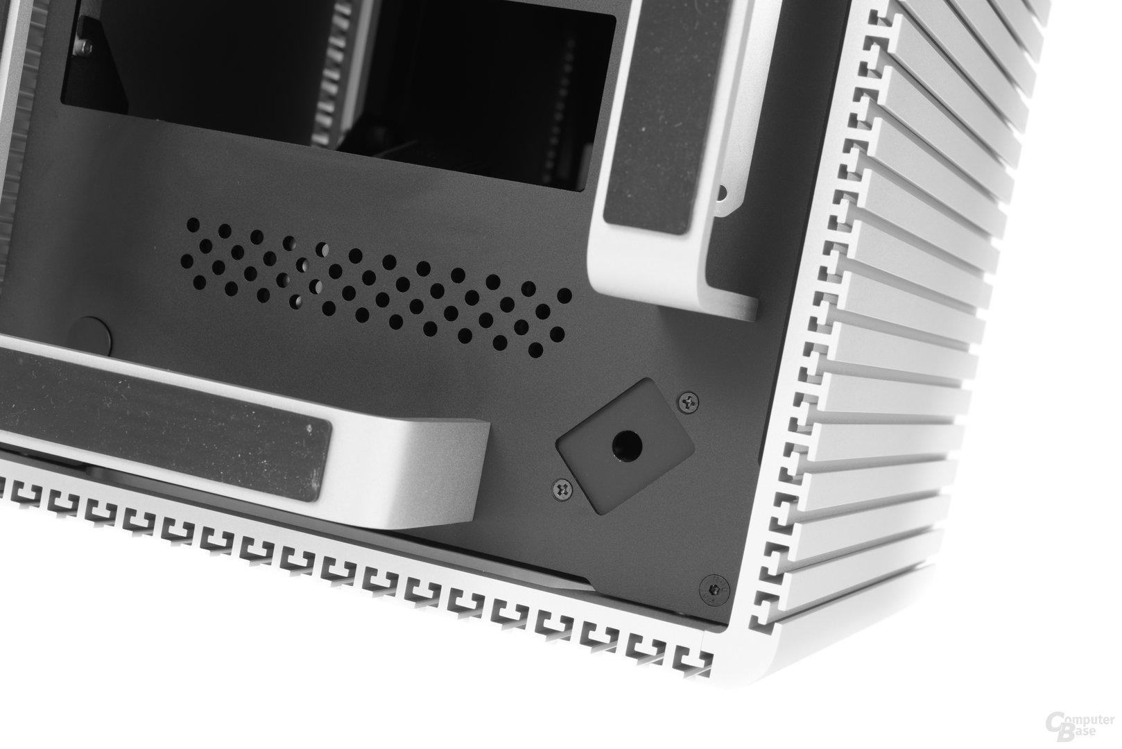 Streacom DB4 – Befestigung des Netzsteckers