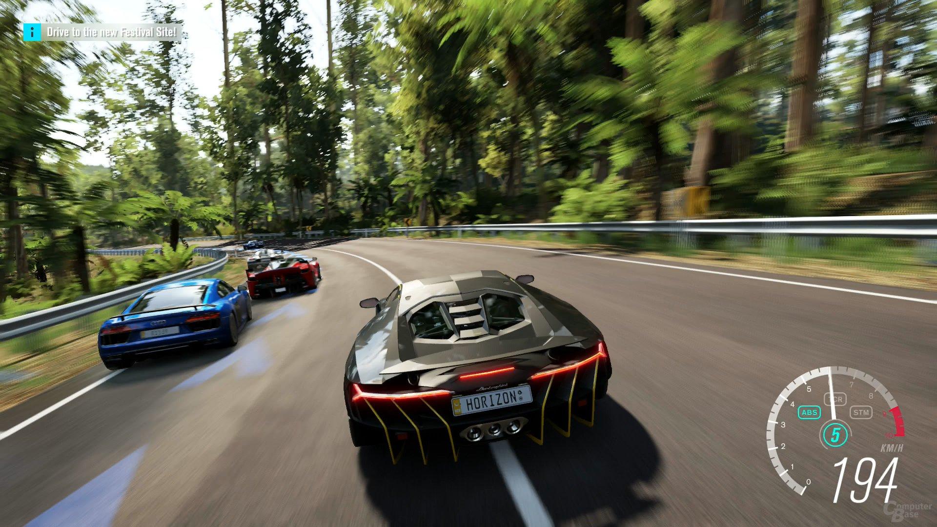 """Flotte Fahrzeuge vor beeindruckender Kulisse: Die """"Basics"""" stimmen"""