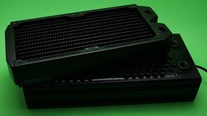Alphacool Eisbrecher im Test: Radiator mit Netzgewebe für mehr Kühlleistung
