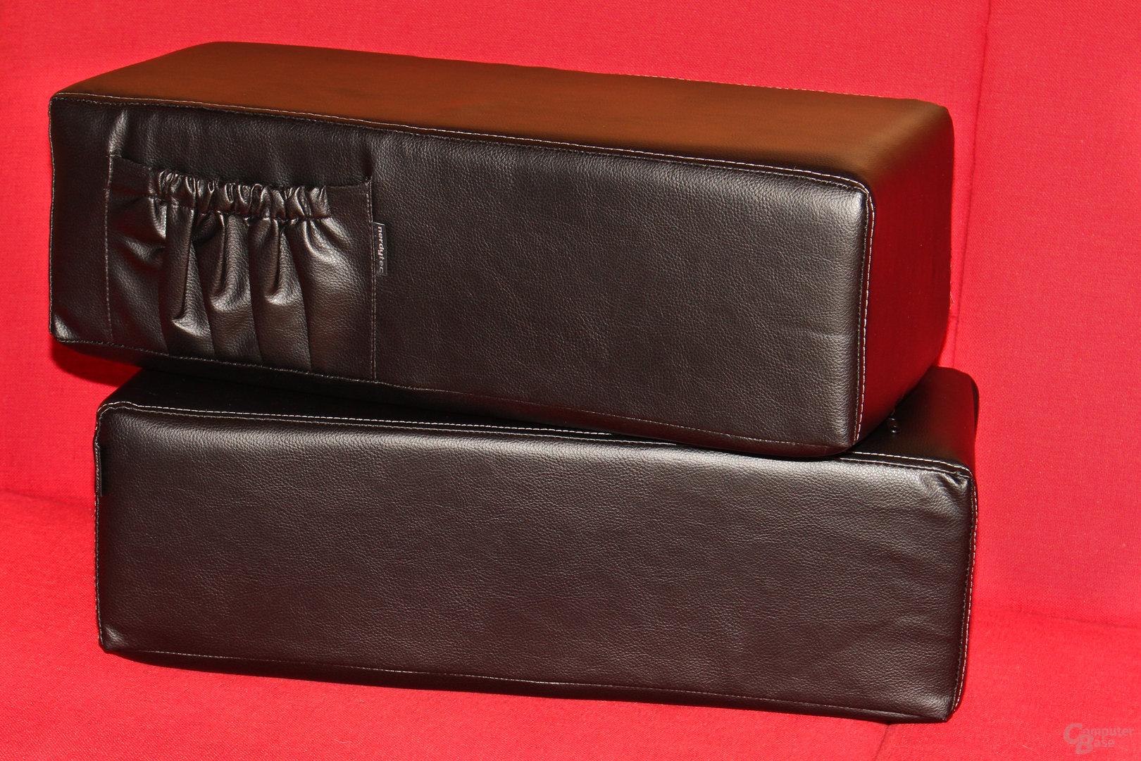 Zwei Schaumstoffauflagen bilden die Unterkonstruktion des Couchmaster