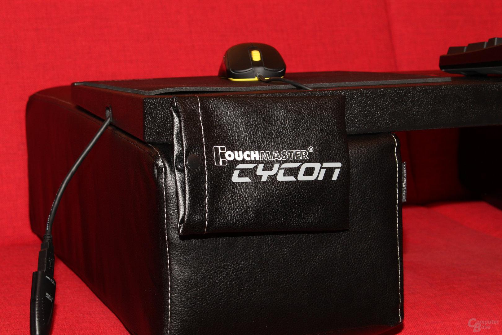 Die Tasche dient der Unterbringung der Maus