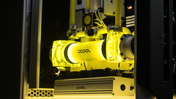 Alphacool Eisbrecher Pro: Neues Gehäuse für NexXxos-Radiatoren