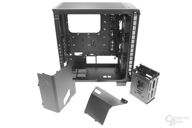 Corsair Crystal 460X RGB – Raumteiler und Festplattenkäfig komplett entfernt