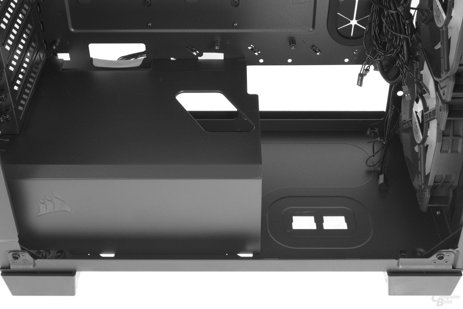 Corsair Crystal 460X RGB – Festplattenkäfig entfernt