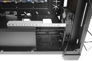 Corsair Crystal 460X RGB – Beim Verzicht auf den Festplattenkäfig sind tiefere Radiatoren realisierbar