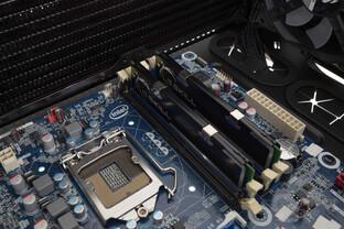 Corsair Crystal 460X RGB – Ein 280-mm-Dual-Radiator im Deckel ist möglich, jedoch nur ohne Lüfter