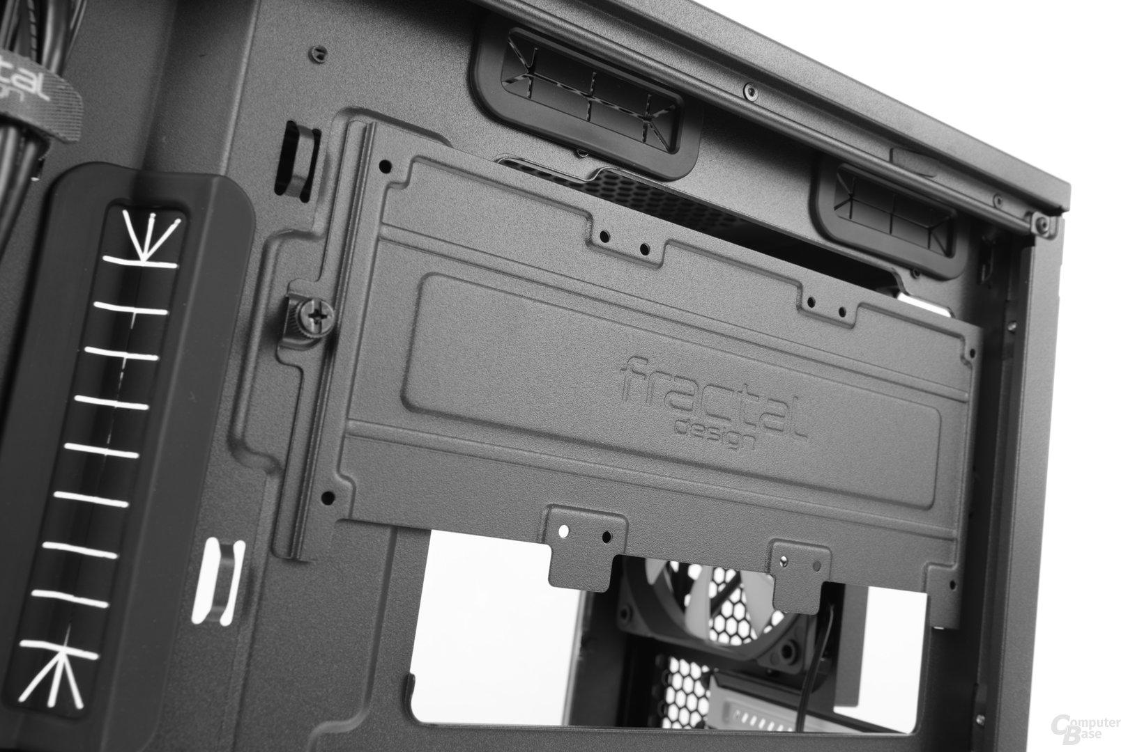 "Fractal Design Define Mini C – Modulares 2,5""-Festplattenbracket an der Rückseite"
