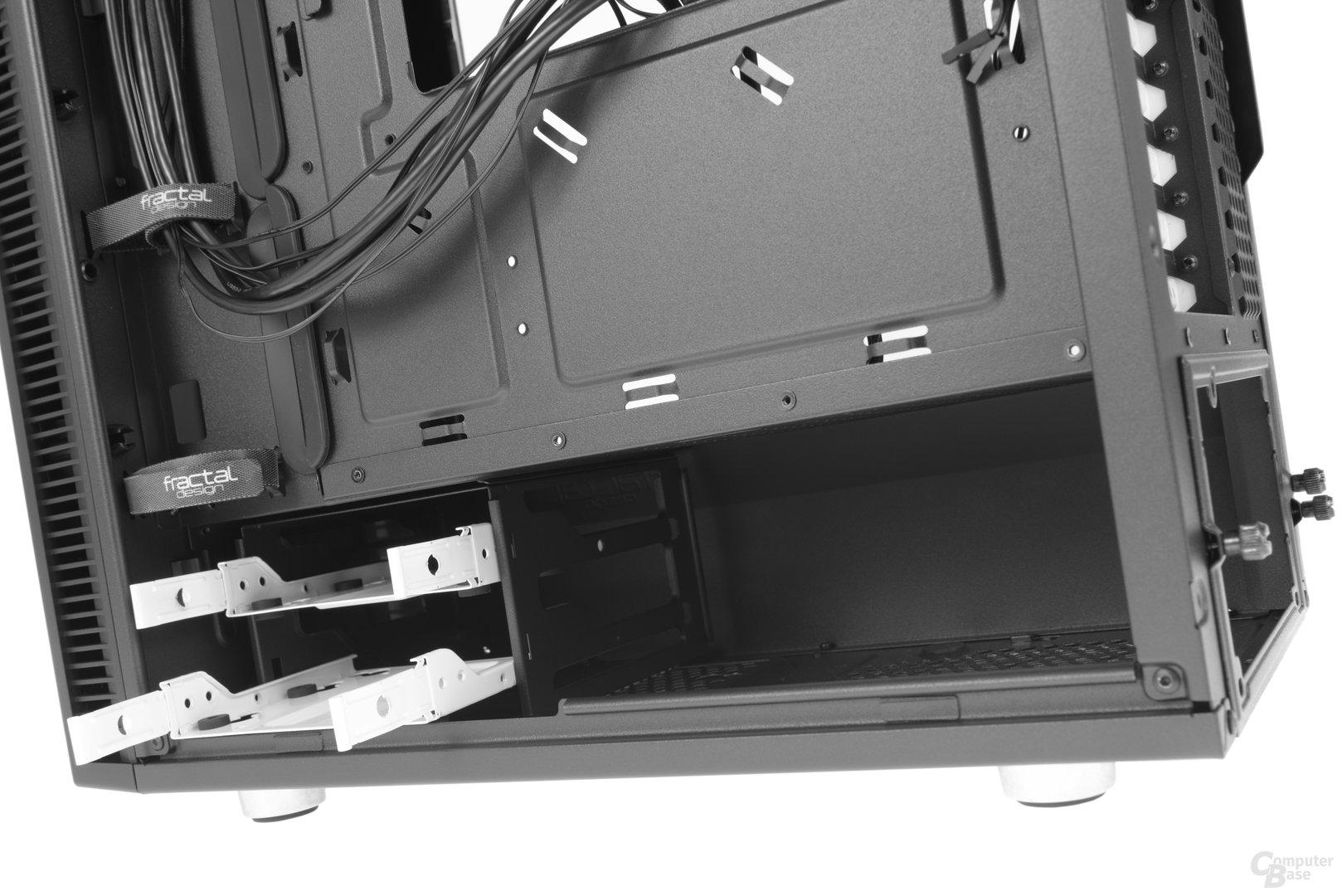 Fractal Design Define Mini C – Festplattenkäfig hinter dem Raumtrenner