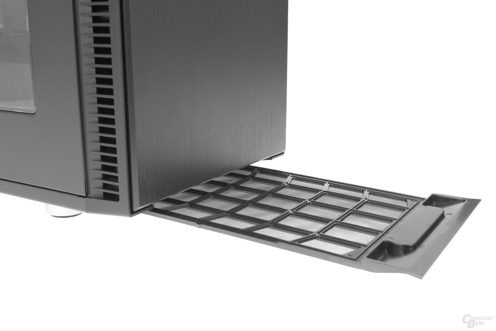 Fractal Design Define Mini C – Bodenstaubfilter lässt sich von vorne heraus ziehen