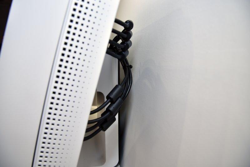 Acht Kabel bewältigen die Datenmenge