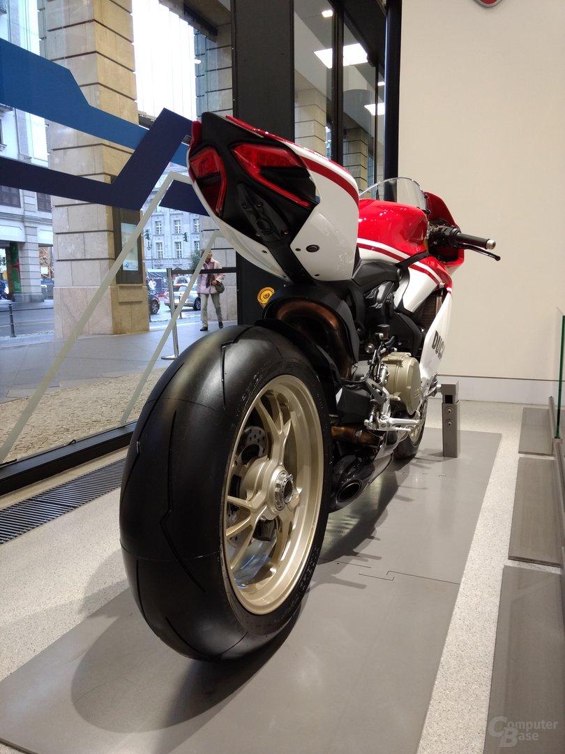 Moto Z Play – f/2.0 – ISO 160 – 1/30 Sek.