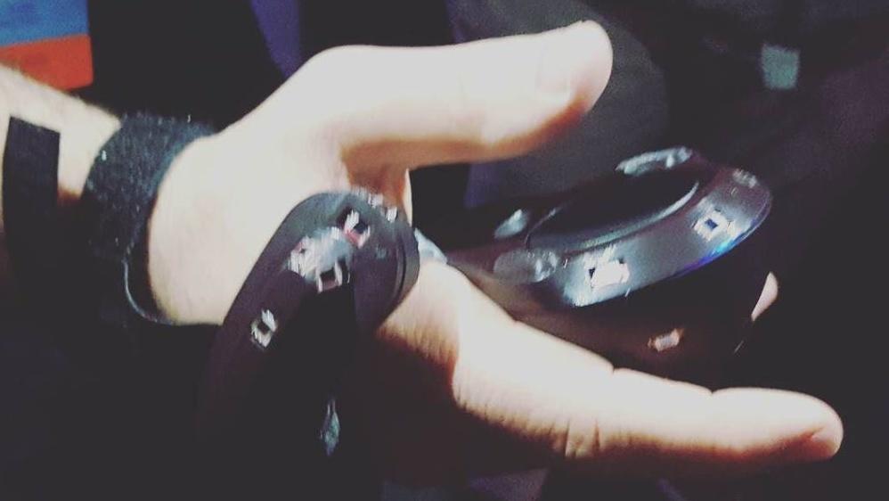 HTC Vive: Neuer Controller ist kompakter und erkennt Griffe