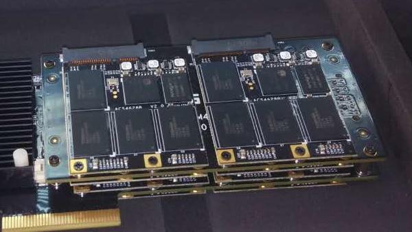 Mach Express Gen3: Mach Xtreme bündelt acht SATA-SSDs für 4,1GB/s