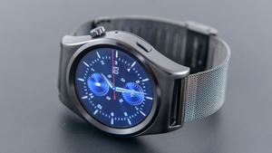 X10 Smartwatch: Edelstahlgehäuse und gute Vitalsensoren für 46 Euro