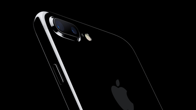 iPhone 7 Plus in Jet Black