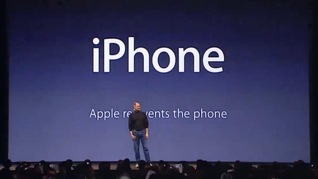 Steve Jobs im Januar 2007 kurz nach der Enthüllung des Namens
