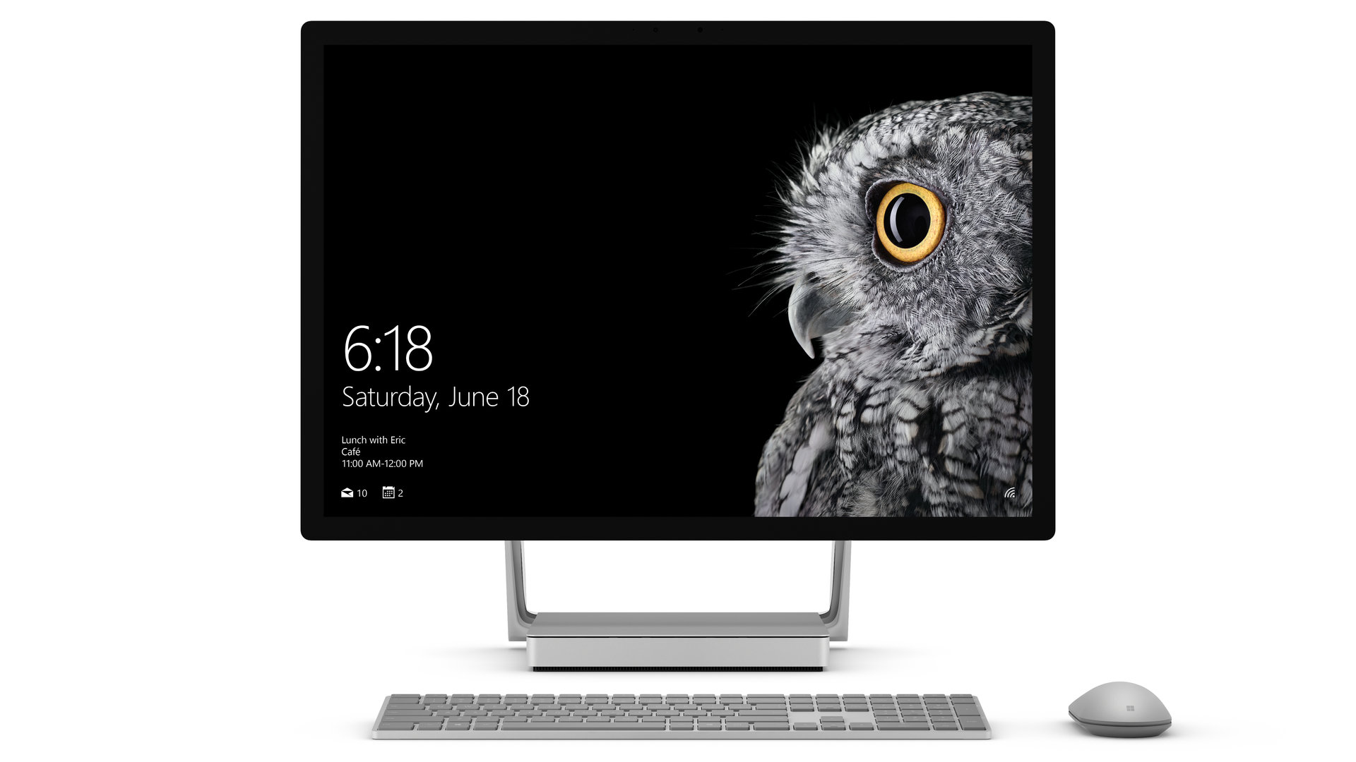 Surface Studio mit Surface Keyboard und Surface Mouse
