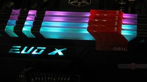 DDR4-RAM: GeIL Evo X mit RGB-LEDs ab 105 Euro lieferbar