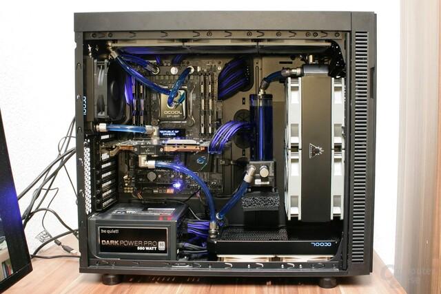 Zwischen GPU und VRMs/CPU ist nur ein 120er – die CPU erhält leicht vorgewärmtes Wasser