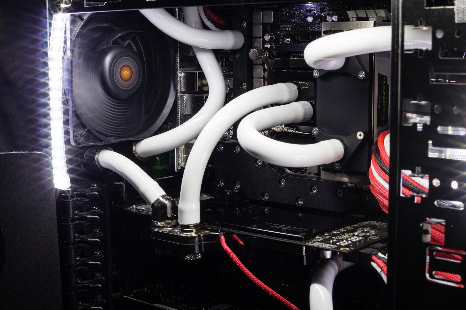 Alles unter Wasser: CPU, Mainboard, RAM und GPU