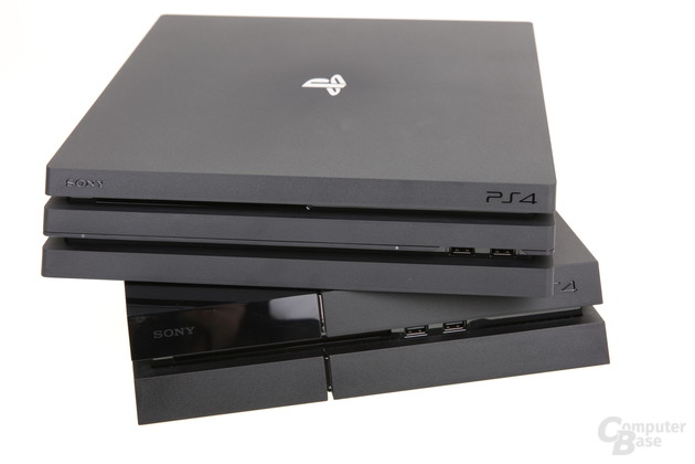 PS4 Pro (oben) und die originale PS4 (unten)