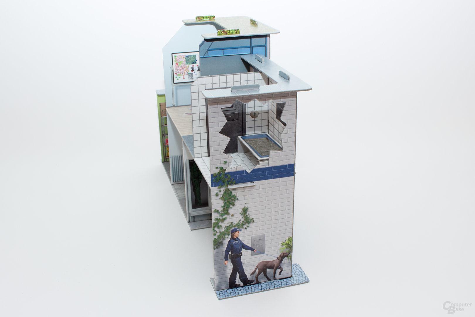 Das Polizeigebäude – schnell zusammengebaut und stabil