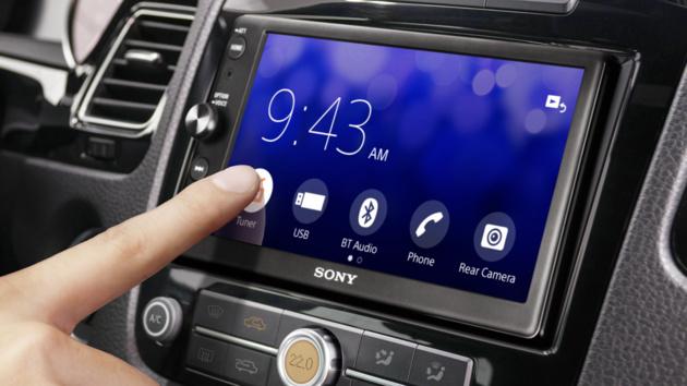 Sony: XAV-AX100 bringt Android Auto und CarPlay ins Auto