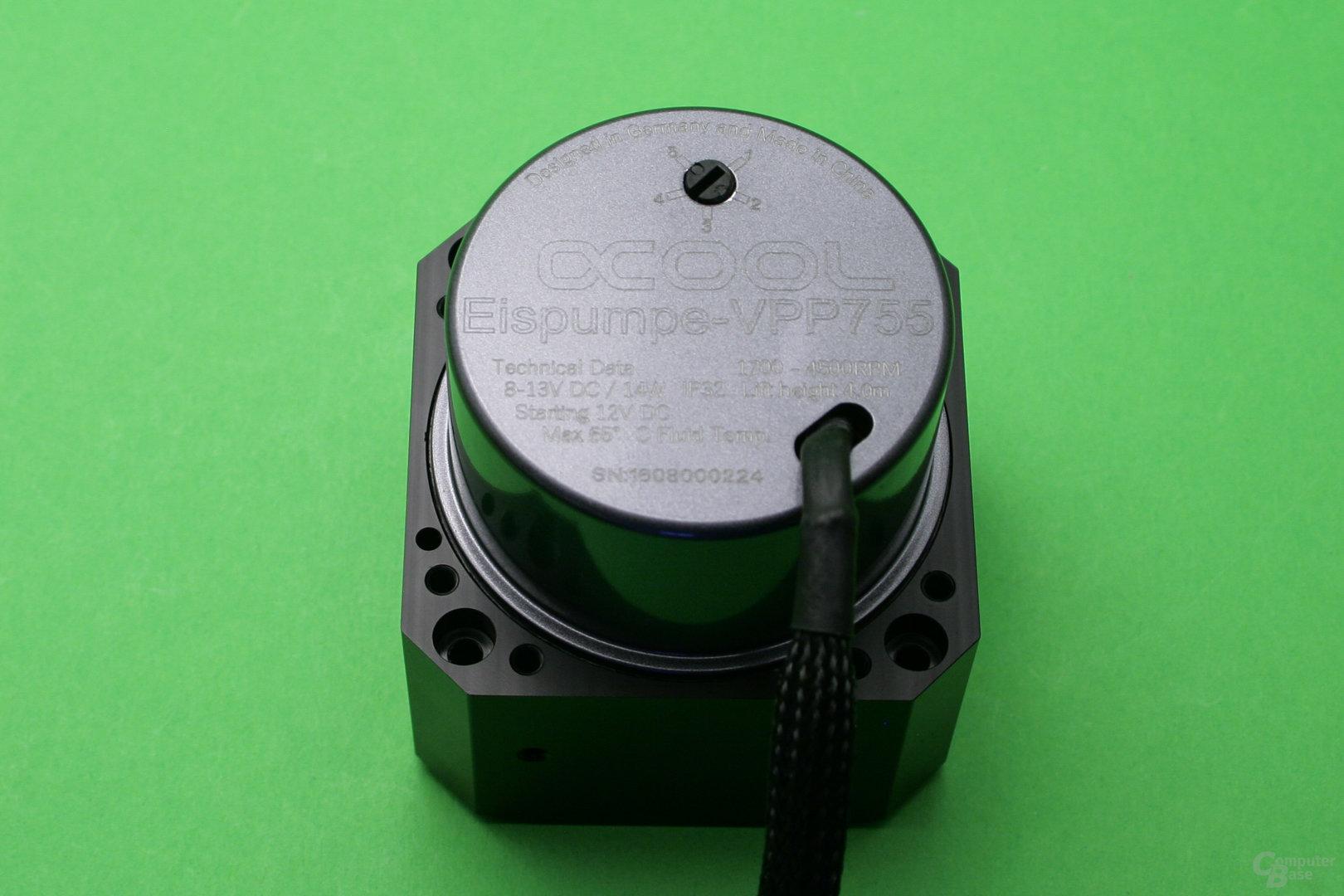 Alphacool VPP755: Montage am Heatkiller Tube D5