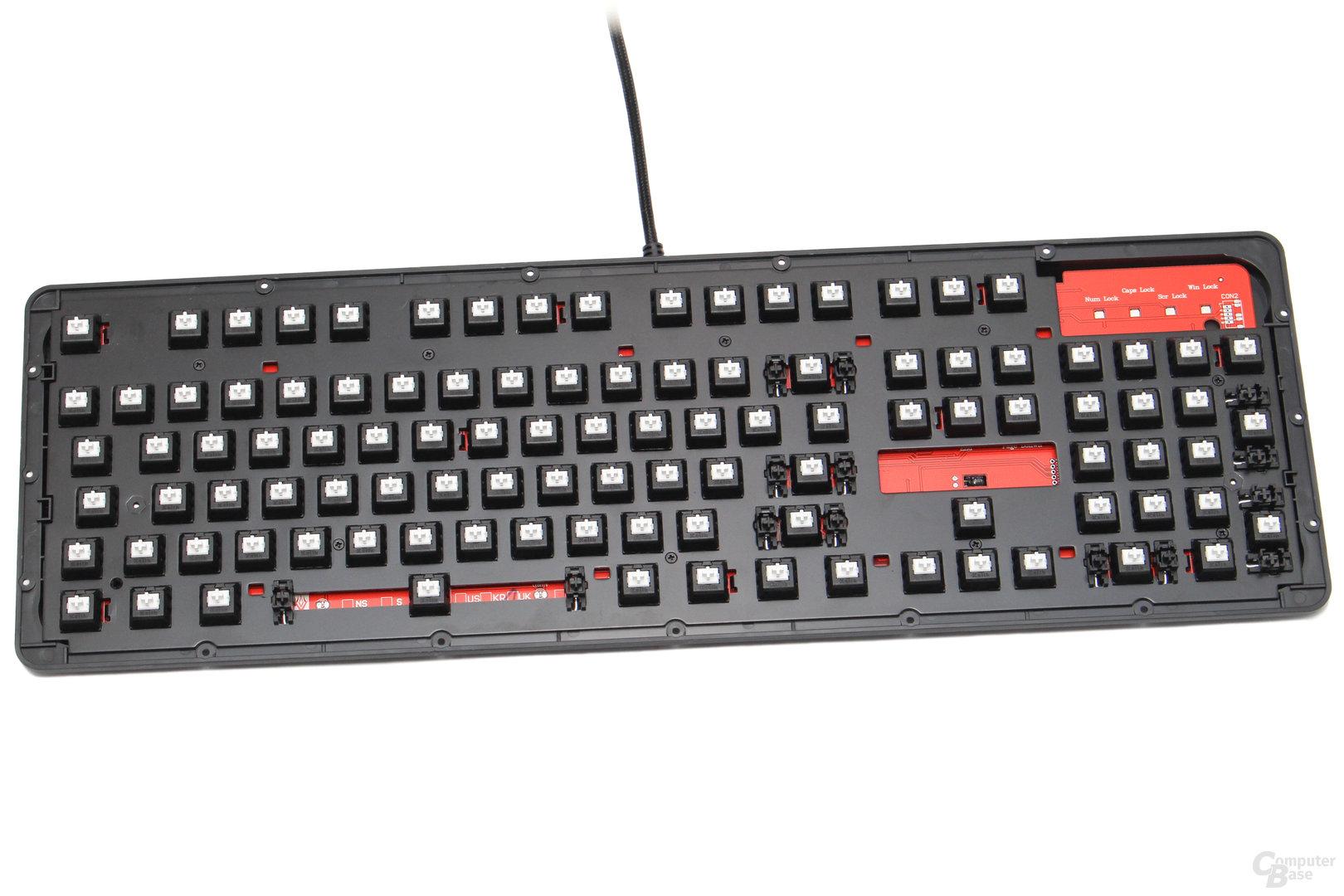 Ohne Deckel ist die Ncore Retro eine ganz normale Tastatur