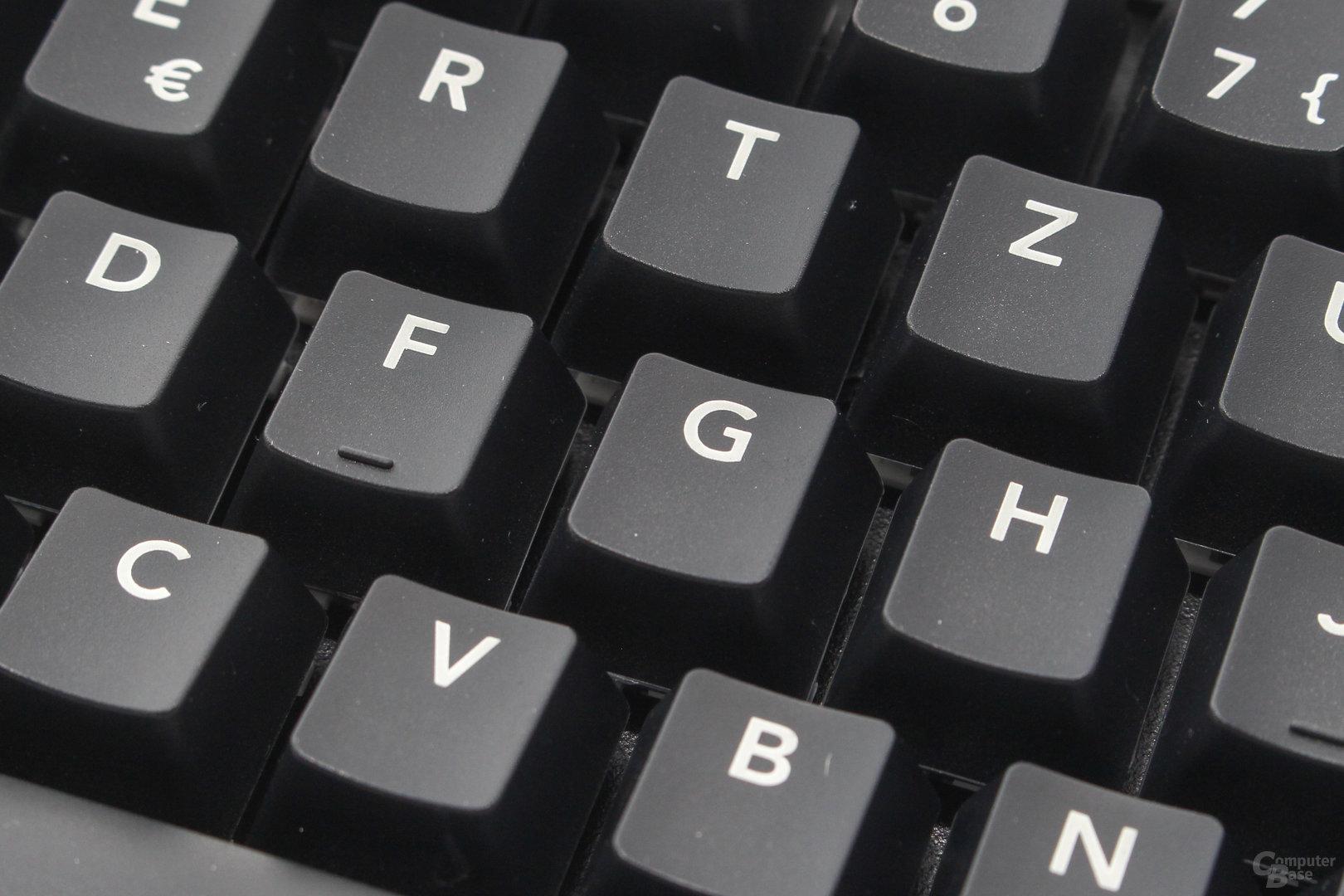 """Lettern und Ziffern werden im einfachen """"pad-printing""""-Verfahren aufgetragen"""