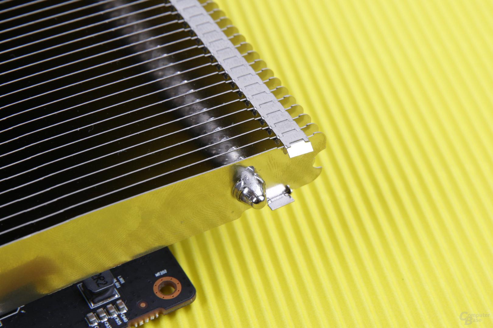 Die passive XFX RX 460 hat einige scharfe Ecken