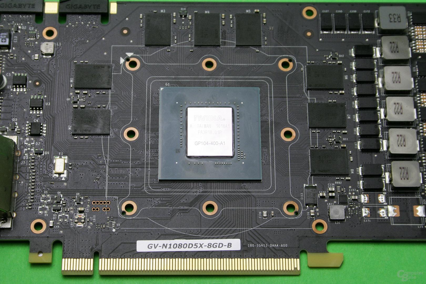 Nahaufnahme der GPU nach Entfernen der alten Wärmeleitpaste