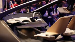 "HoloActive Touch: BMW zeigt radikales Cockpit in der Studie ""i Inside Future"""