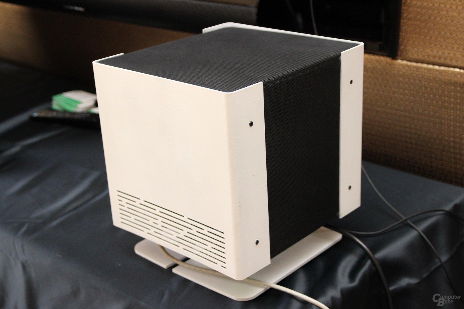 Noch namenloser Würfel kühlt passiv bis zu 200 Watt