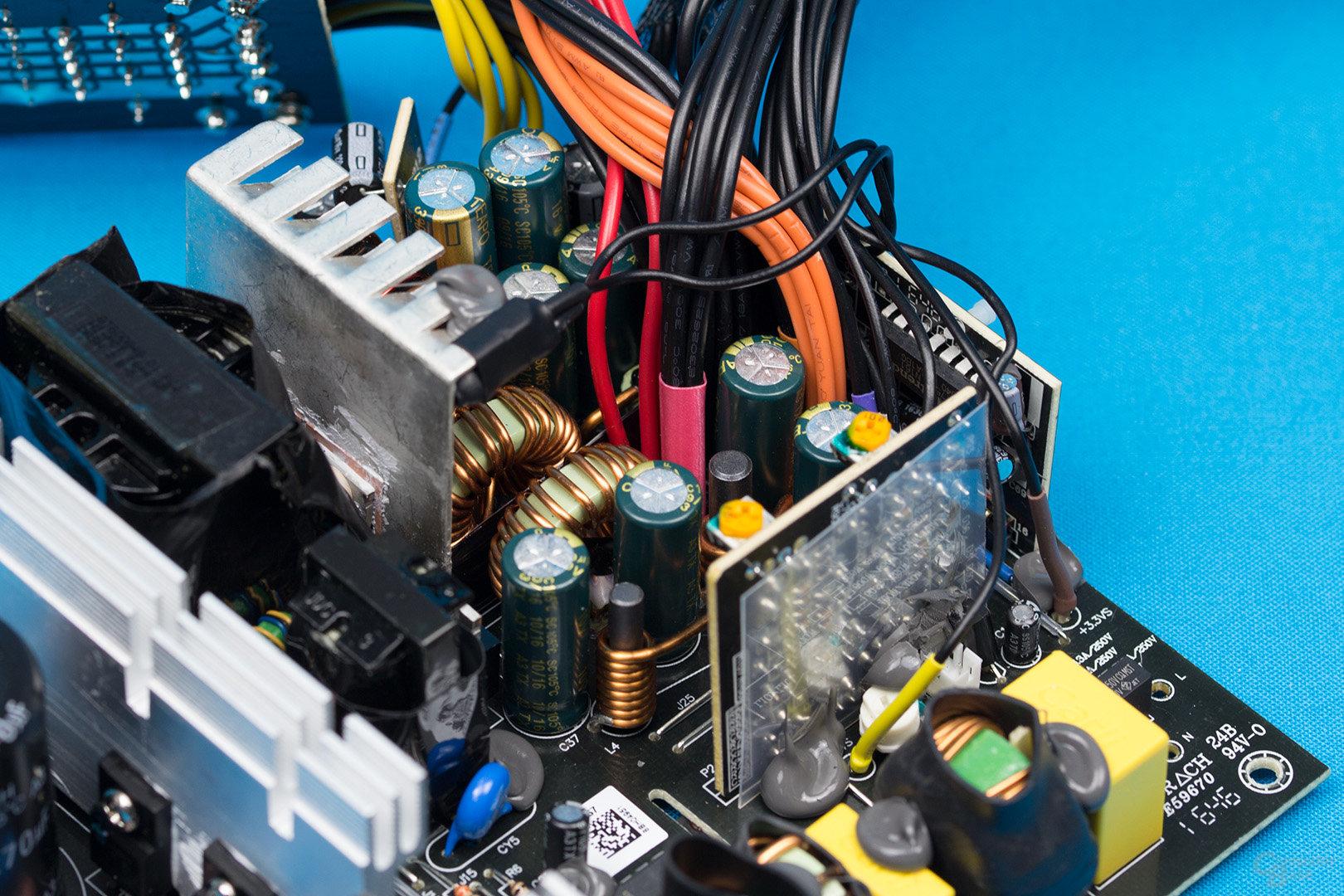 be quiet! Pure Power 10 500W CM – Sekundärseite