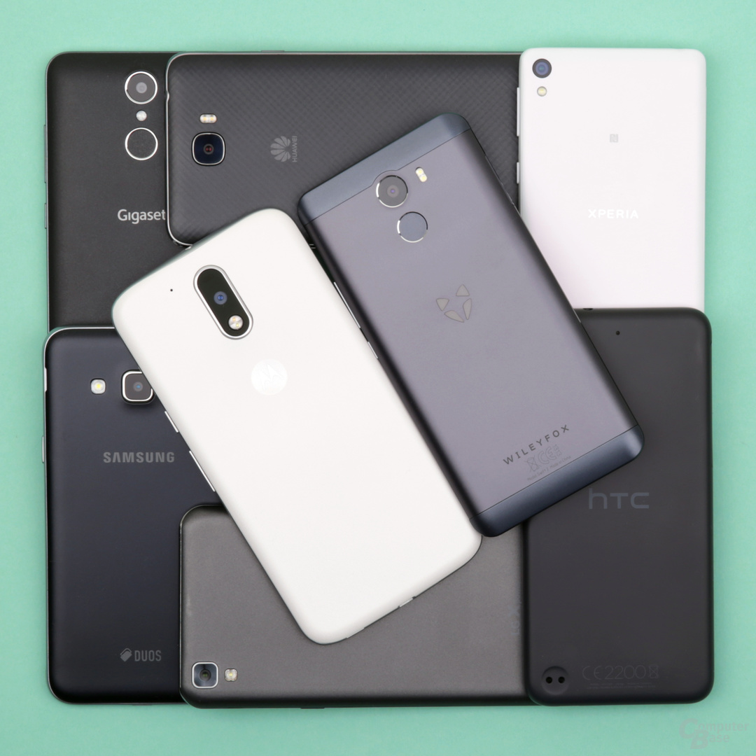 Bis auf LG und Lenovo haben alle Geräte ungefähr die gleiche Größe