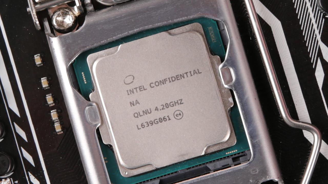 Wochenrückblick: Intel probiert es mit zwei Kernen, AMD mit 32
