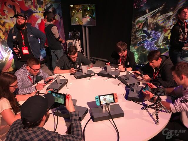 Acht Spieler können über WLAN gegeneinander antreten