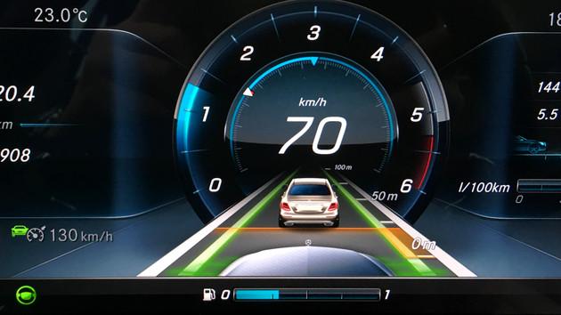 Automatisiertes Fahren: Gesetz soll Mensch und Computer gleichstellen